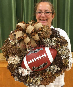 Wed-Sep 30- 2020 ^  Football Wreath Classic Theme